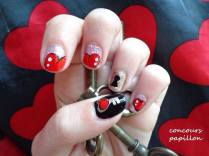 nail art coeurs rouges
