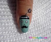 nail art moustachu