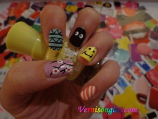 nail art smiley