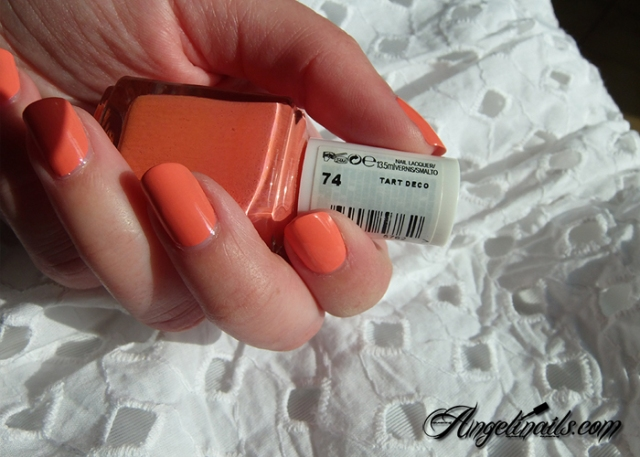 Essie-Tart-Deco-vernis-à-ongles-orange-abricot-2