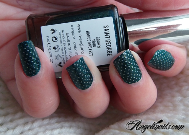 nailstorming-joyeux-noel-a-england-saint-georges-color-club-harp-on-it-3